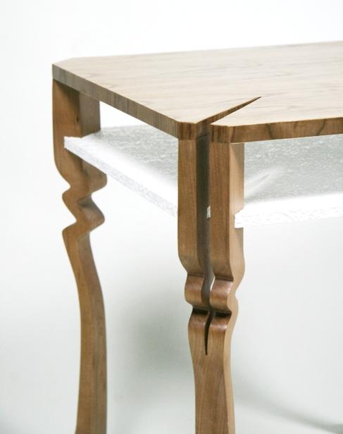 Michiko Maruyama Lily Table